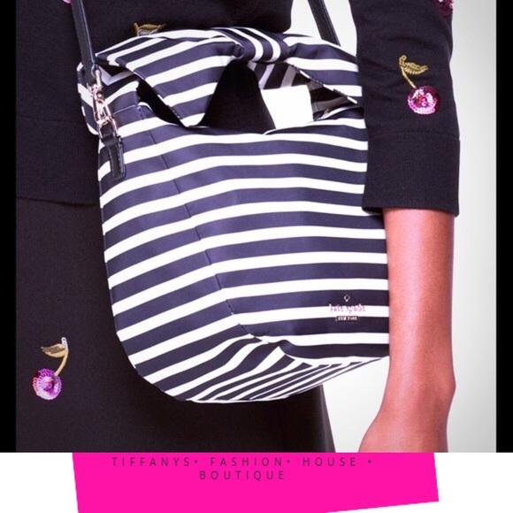 kate spade Handbags - 💯 Kate Spade Jenny Striped Handbag 👜